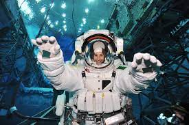 ESA - L'astronauta dell'ESA Samantha Cristoforetti volerà sulla Stazione  Spaziale nel 2014