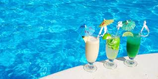 7 Tips for Hosting a <b>Summer Pool Party</b> :: CompactAppliance.com