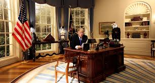 oval office desks. The Oval Office Desk. CRTGAMER Wrote: Just A Couple Of Months Before Trump Will Desks 7