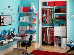 walk in closet with vanity section