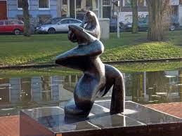 unmissable public sculptures in rotterdam