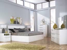 Bedroom Set to Design Classic Bedroom