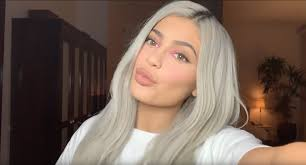 and powder off camera the reality star began her eye shadow by applying two neutral matte shades from the kylie cosmetics bronze palette in her crease