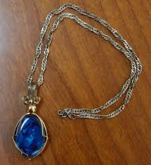iridescent blue pendant necklace