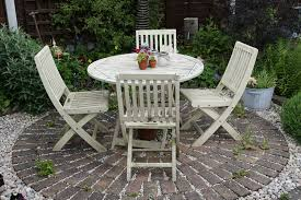 image of painted garden furniture color