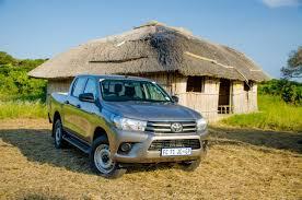 Toyota Hilux 2.4 GD-6 4x4 SRX (2016) First Drive - Cars.co.za
