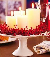 Arranjo de mesa 3 porta velas decoração natal vermelho. 29 Ideias Para Decorar A Sua Mesa De Natal Com Velas Casa Com Br