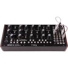<b>Синтезатор Moog Mother-32</b>: купить, цена в Минске ...