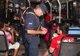 Resultado de imagen para fotos solicitud de papeles de identificación  de la policia