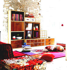 apartment cozy bedroom design: gallery of small apartment cozy bedroom decoration with wonderful bedding set