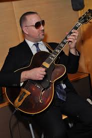 File:Gibson Johnny Smith model played by guitarist, Control Arms opening  reception during the Final Diplomatic Conference on the Arms Trade  Treaty.jpg - Wikimedia Commons