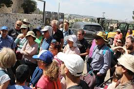 קובץ:Elef Milim Project - Wikipediansin the Old City of Jerusalem ...