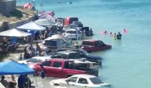 Tide Chart For Rocky Point Mexico Vehicles Left Stranded On Sonora Beach After Surprise High Tide