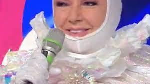 Orietta Berti è l'Unicorno a Il cantante mascherato ...