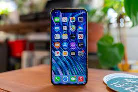 Giá iPhone 12 chính hãng sẽ rẻ hơn cả hàng xách tay