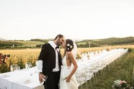 Il matrimonio nel campo di grano che atmosfera Holiday House. country chic wedding tuscany