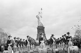 「1886, statue of liberty in new york opening ceremony」の画像検索結果
