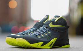 lebron 8 dunkman. after seeing the nike zoom lebron soldier 8 release earlier this year in usa and photo blue colorways, today we show you something a little on darker dunkman