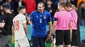 Italiens Kapitän Giorgio Chiellini schildert seinen Halbfinal-Spaß mit Jordi  Alba