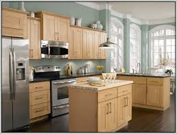 Honey maple kitchen cabinets Country Kitchens With Honey Maple Cabinets Google Search Pinterest Kitchens With Honey Maple Cabinets Google Search Fireplace And