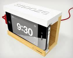 Snooze-iPhone-Alarm-Dock