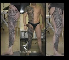 татуировки мужские на бедре от мастеров Piglatattoo Studio днепр