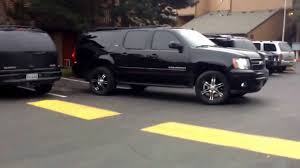 2007 LTZ suburban lifted on 20s with off-road tires making it on ...
