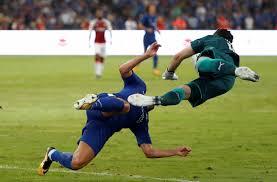 Chelsea, terribile scontro di gioco tra Pedro e Ospina ...