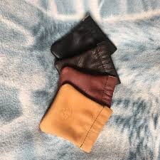 squeeze coin pouch page 1 black chocolate mahogany saddle tan