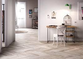 Beautiful Wohnzimmer Fliesen Weis Photos - House Design Ideas ...