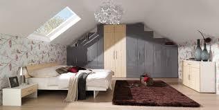 Schlafzimmer Dachschräge Wandfarbe