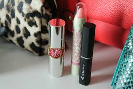 at the pink of perfection what s in my purse bag target beauty box sept 2016 free makeup