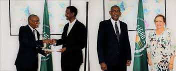 the same morning the executive secretary also received the ambador of sweden to ethiopia and accredited to igad h e ambador torbjörn pettersson
