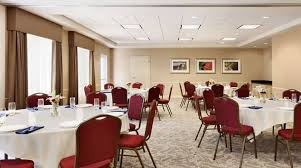 meeting room round tables banquet