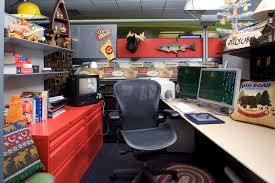 sports office decor. Cartoon Network Werkt Met Allemaal Zelf-ingerichte Cubicles En Gangen (zoek Maar Op Sports Office Decor A
