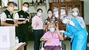 เทศบาลเมืองศรีราชา ฉีดวัคซีนให้ฟรีโดยโรงพยาบาลพญาไทศรีราชา สยามรัฐ