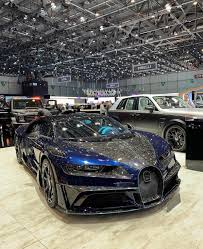 Let's check out what the bugatti chiron has to offer. Bugatti Chiron With Forged Carbon Fiber Mansory Bodykit Carporn