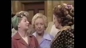 Hilda Ogden and Elsie Tanner argue in the Rovers (12 May 1976) - YouTube