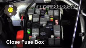 replace a fuse 2006 2011 chevrolet hhr 2009 chevrolet hhr ls 6 replace cover secure the cover and test component