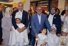 Fettah Tamince'nin oğluyla birlikte 50 çocuk sünnet oldu - Son Dakika  Haberler