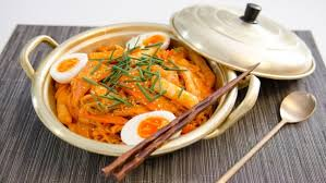 Korean Instant Noodles With Spicy Rice Cakes Recipes Food Network Uk