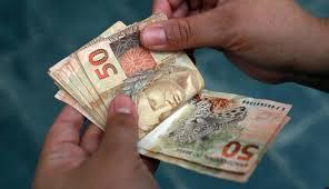 Resultado de imagem para perda de dinheiro com planos economicos