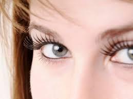 skin between eyebrows