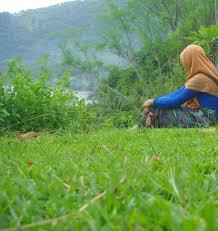 Image result for muslimah berdoa sambil menangis