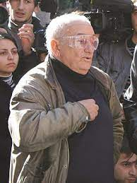 Резо габриадзе родился в 1936 году в кутаиси. Gabriadze Rezo Levanovich Vikipediya
