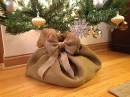 Christmas Tree Burlap Sack! I think I need to make this instead of a tree