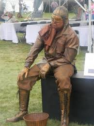 another living statue perspective