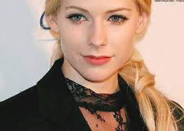 just look at our rock chic avril lavigne with minimal make up isn t she just gorgeous here s a step by step tutorial