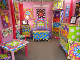 funky house furniture. great site for handpainted furniture inspiration funky house y