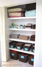 Organised Bedroom 17 Best Ideas About Storing Blankets On Pinterest Cheap Throw